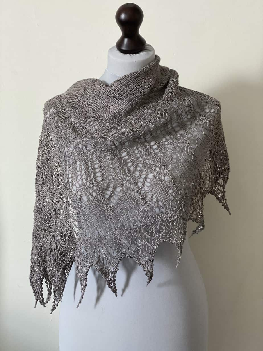 lace shawl – hand knit lace bridal shawl – heirloom shawl UK