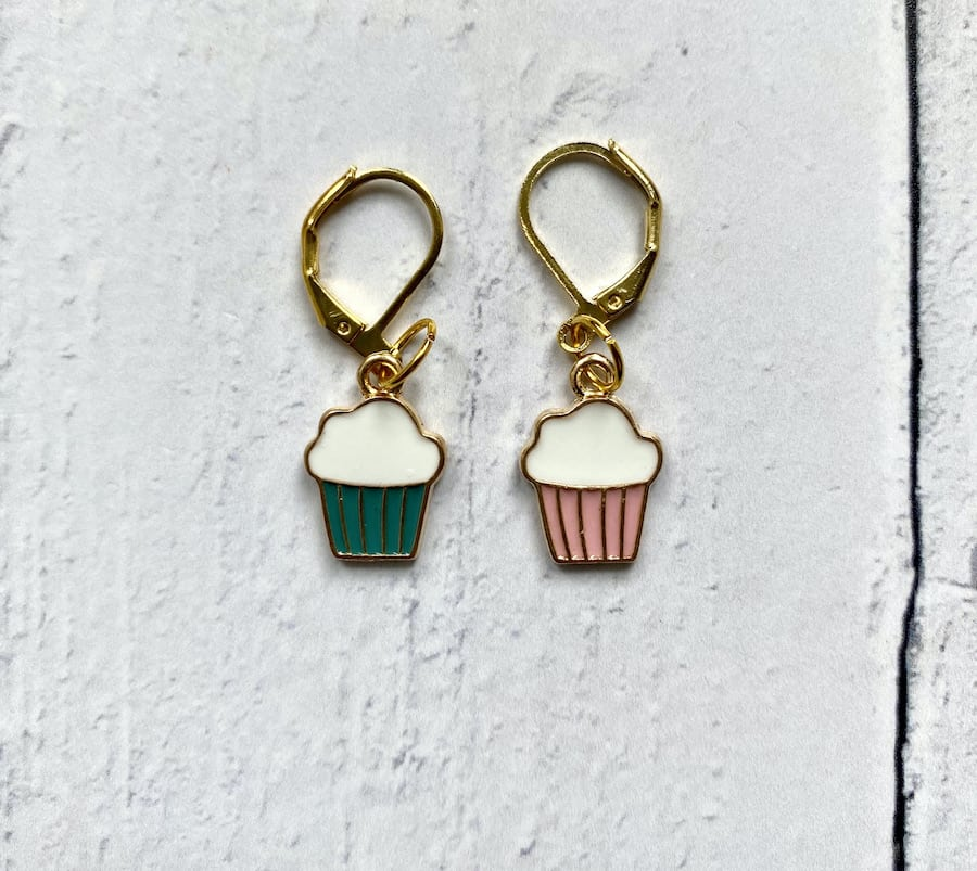 cupcake stitch markers for knitters or crocheters